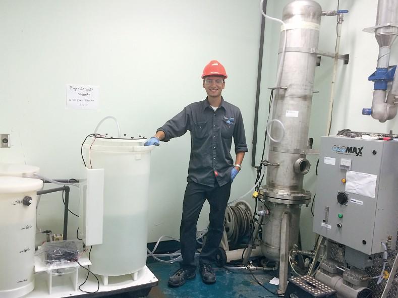 Développement d'un procédé hybride d'oxydation électrolytique et d'électrocoagulation pour le traitement et le recyclage des eaux grises
